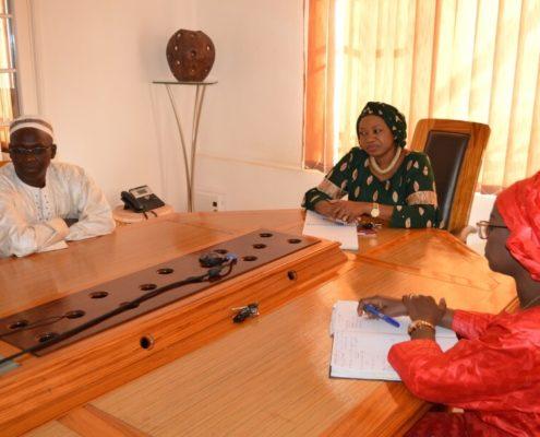 réunion de travail avec l'administratrice de la fondation sonatel