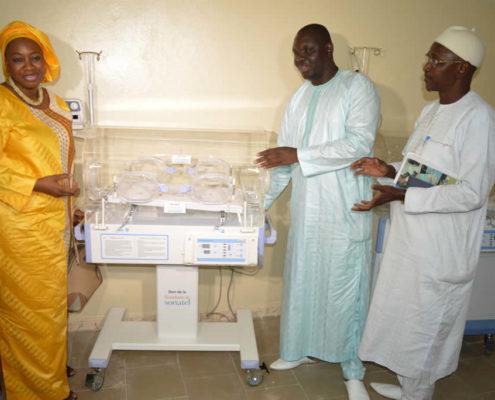 Don de la fondation sonatel au centre hospitalier régional de Diourbel
