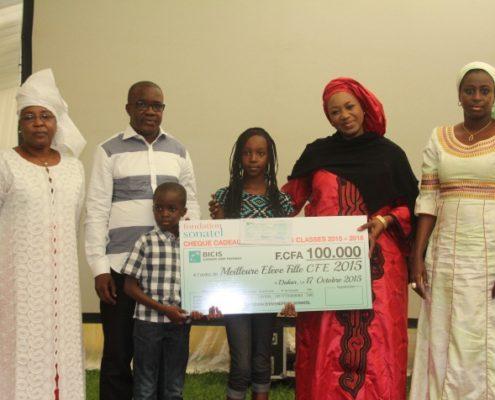 les 50 meilleures filles a CFFE récompensées par la fondation sonatel