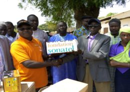 Remise don fondation sonatel ecole de Kafoutine