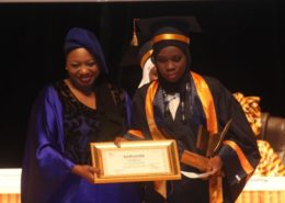 Remise des prix par Mme Aminata Fall Sidibe